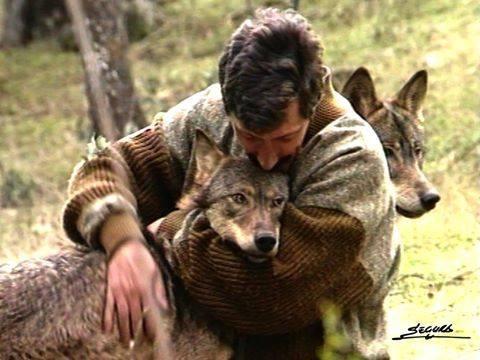 Fernando Peralta con lobos